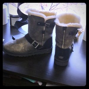UGG distressed buckle boots, mid length!